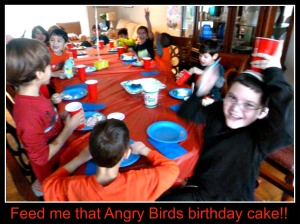 Feed me that Angry Birds Birthday Cake